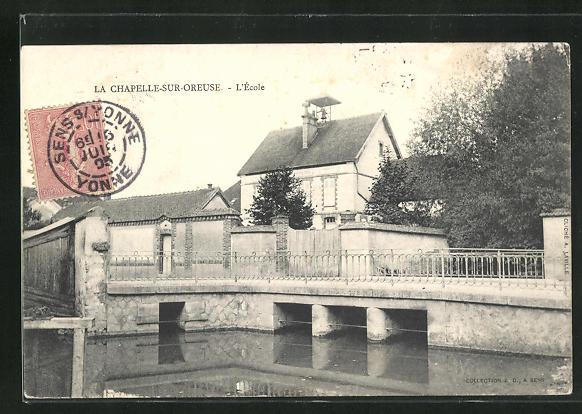 AK La Chapelle-sur-Oreuse, L`Ecole 0