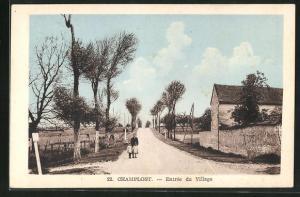 AK Champlost, Entree du village