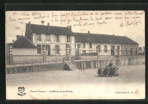 AK Vinneuf, Le Mairie et les Ecoles 0