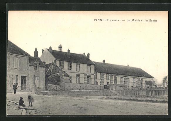 AK Vinneuf, La mairie et les ecoles 0