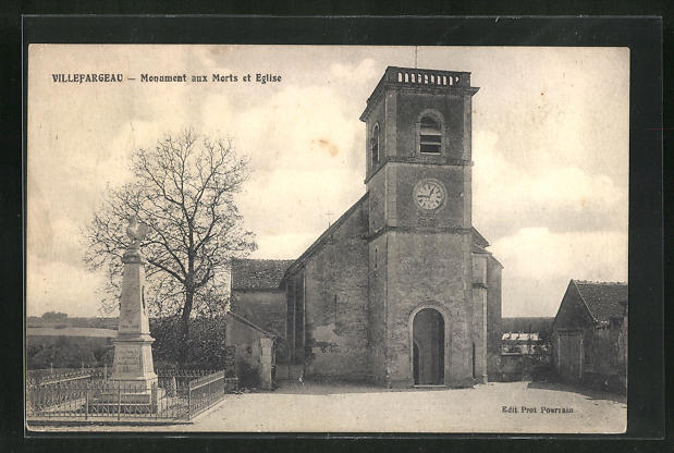 AK Villefargeau, Monument aux Morts et Eglise 0