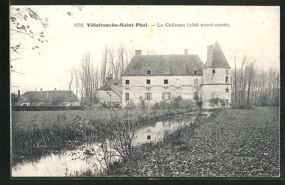 AK Villefranche-Saint-Phal, Le Chateau, côté nord-ouest 0