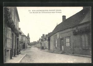 AK Villefranche-Saint-Phal, La route de Villeneuve-sur-Yonne