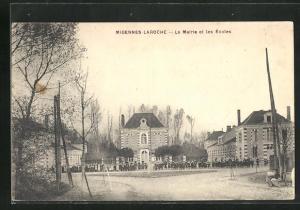 AK Migennes-Laroche, La Mairie et les Écoles