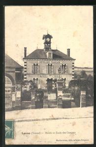 AK Lavau, Mairie et Ecole des Garcons