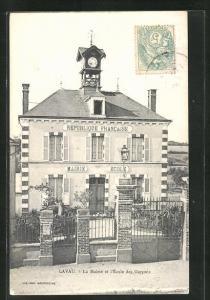 AK Lavau, La Mairie et l`Ecole des Garcons