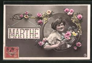 AK Namenstag, Marthe, Frau mit Blumen in Fenster mit Blumen