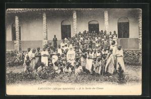 AK Kagondo, A la Sortie des Classes, Missions-Schule