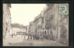 AK Lons-le-Saunier-les-Bains, Rue du Commerce