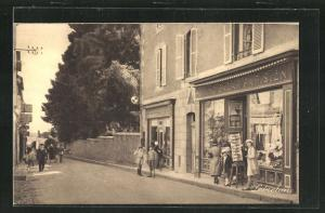AK Cancale, Rue du Port, Grand Bazar Parisien