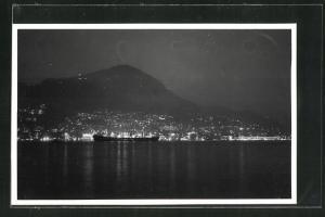 Foto-AK Hongkong, Blick auf den Hafen bei Nacht