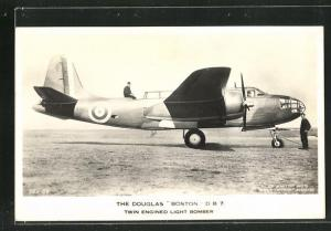 AK The Douglas Boston D B 7, twin-engined light bomer, Flugzeug vor dem Start