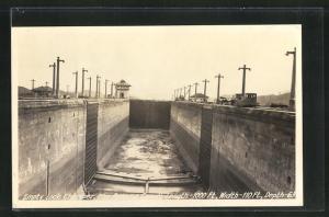 AK Panama, Empty Lock Chamber, Panama Canal