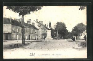 AK Pithiviers, Place Duhamel et Monument
