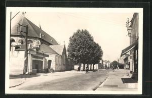 AK Saint-Jean-le-Blanc, Place de l'Eglise et Grande Rue