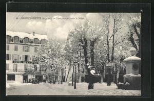AK Barcelonnette, Place Manuel sous la Neige