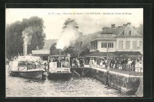 AK La Bouille, Arrivée du Bateau de Rouen