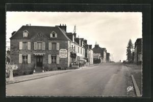 AK Villedieu-les-Poeles, La Route de Caen, L'Hotel du Cherval noir