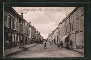 AK Vitry-le-Francois, Grande Rue de Frignicourt