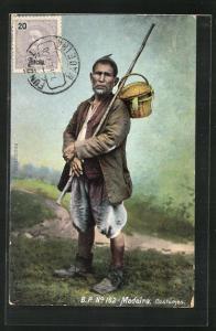 AK Madeira, Bauer mit Korb über der Schulter