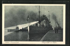 AK Swinemünde, Kriegsschiffe im Hafen