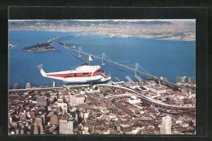 AK San Francisco Helicopter Airlines über die Stadt fliegend