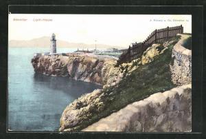 AK Gibraltar, Leuchtturm steht an Felsenspitze, Blick aufs Meer