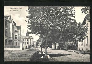 AK Greifenhagen, Bahner-Strasse, Blick auf Häuser und Turmspitze