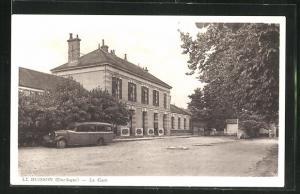 AK Le Buisson, La Gare, vor dem Bahnhof