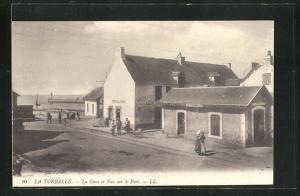AK La Turballe, La Gare et Vue sur le Port, Blick aufs Meer