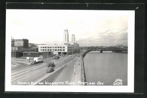 AK Portland, OR, Harbor Blvd and Willamette River