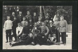 AK Gruppenbild russischer Kriegsgefangener