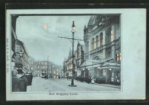 Mondschein-AK Leeds, New Briggate, Halt gegen das Licht: beleuchtete Fenster