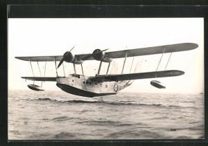 AK Wasserflugzeug vom Typ Vickers Stranraer bei der Landung