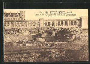 AK Zeebrugge, Ruines, Tablier du pont du chemin de fer a l'arret du tram a Zeebrugge-Mole