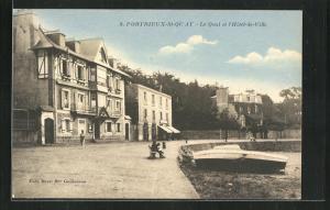 AK Portrieux-St-Quay, Le Quai et l`Hotel-de-Ville