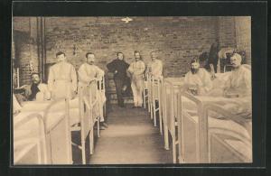 AK Münster / Westf., Kriegsgefangene im Krankenzimmer