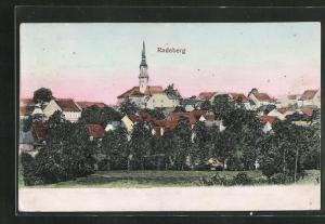 Relief-AK Radeberg, Kirche im Stadtbild