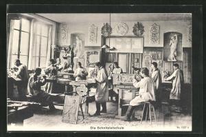AK Die Schnitzlerschule, Tischler in der Werkstatt