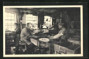 AK Arbeiter in der Glashütte Holmegaards Glasvoerk