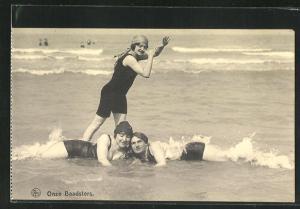 AK Onze Baadsters, junge Frauen im Badeanzug im Wasser