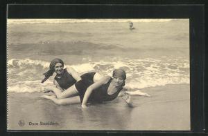 AK Onze Baadsters, Damen im Badeanzug am Strand