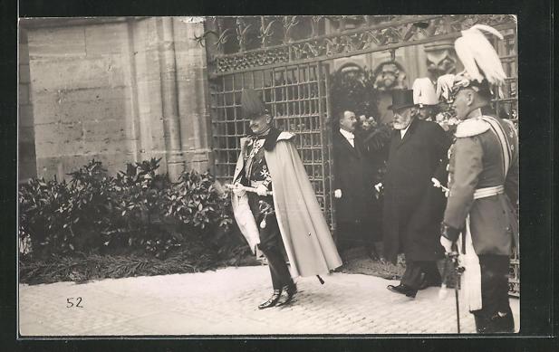 AK Kaiser Wilhelm II. und Präsident Forrer treten aus einem Tor heraus 0