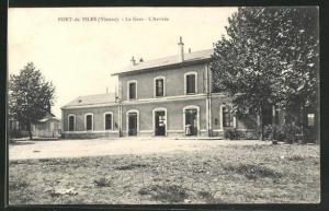 AK Port-de-Piles, La Gare, L'Arrivée, Bahnhof