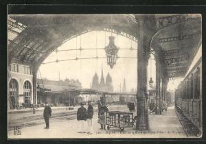 AK Dijon, Hall de la Gare de Dijon-Ville, Bahnhof