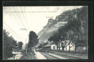 AK Montmélian, La Gare et le Rocher dit, Bahnhof
