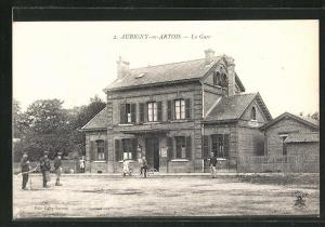 AK Aubigny-en-Artois, La Gare, Bahnhof