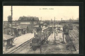 AK Buchy, La Gare, Blick auf den Bahnhof