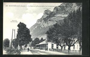 AK Montmélian, La Gare et le Rocher dit La Savoyarde, Bahnhof