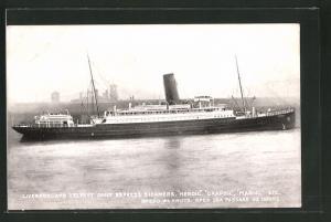 AK Passagierschiff Heroic bei der Hafeneinfahrt
